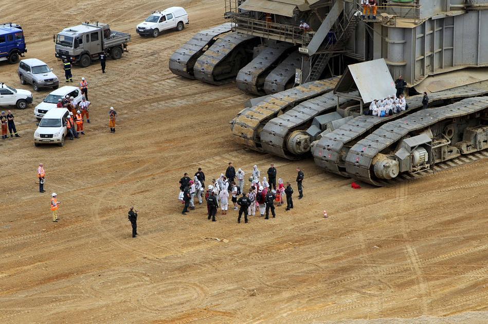 Action directe non-violente en Allemagne contr eune des plus grande mine de charbon d'Allemagne
